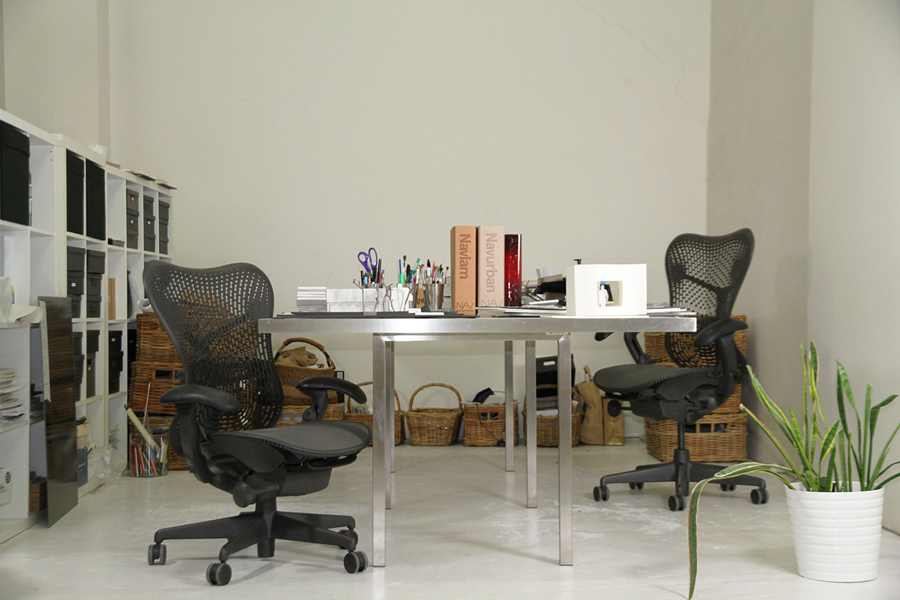 Dedicated Workspace for Small Businesses creative community desks